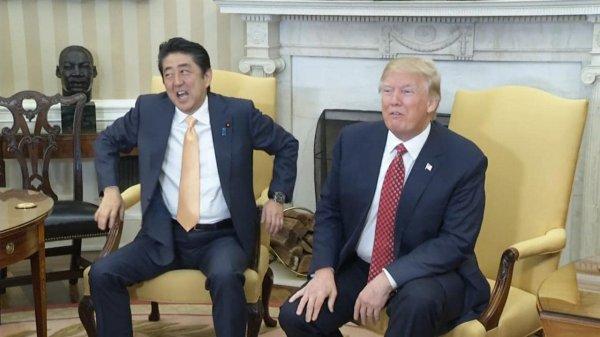 Мастер джиу-джитсу показал, как защититься от крепкого рукопожатия Трампа