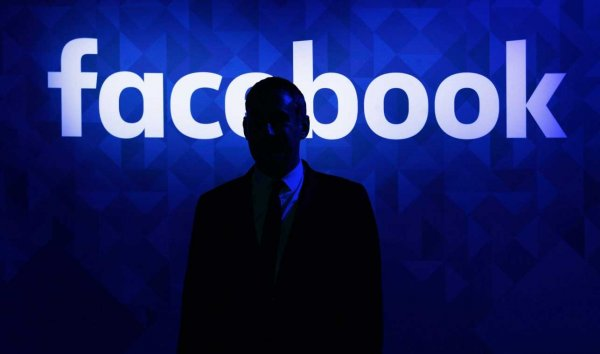 Плагин Go Rando поможет «обмануть» Facebook