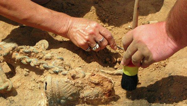 В Китае археологи нашли бронзовые изделия возрастом более 2,2 тыс. лет