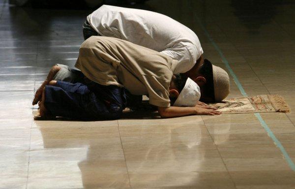 Ученые: Мусульманские ритуалы уменьшают боль в пояснице