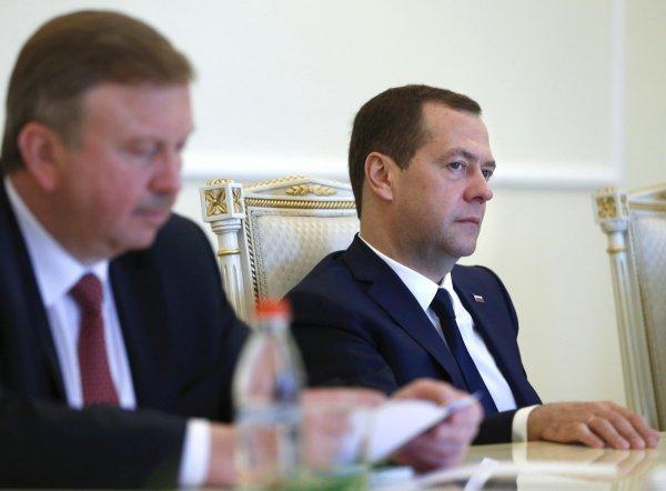 Песков прокомментировал спор Медведева с премьером Белоруссии