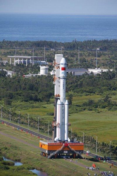 Ракету-носитель Long March-7 доставили на космодром в Китай
