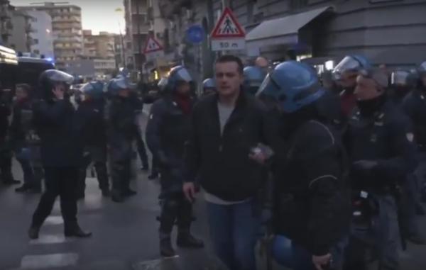 В Неаполе протестующие против визита лидера правой партии устроили беспорядки