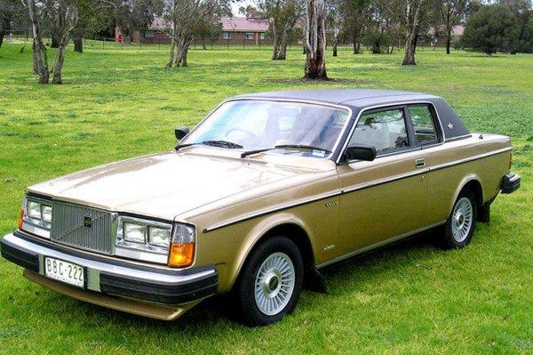 Двухдверному Volvo 262 Coupé исполнилось 40 лет