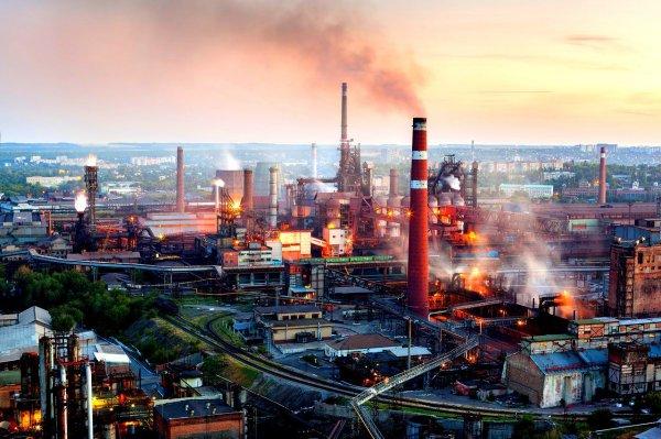 Порошенко: Киев не может торговать с предприятиями ДНР и ЛНР