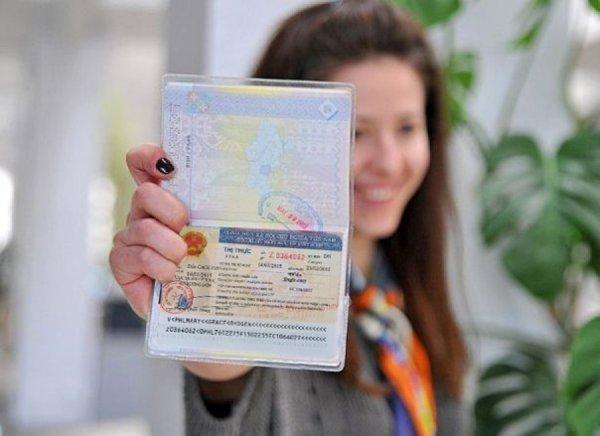 В Австралии британке не продлили рабочую визу из-за низкого дохода