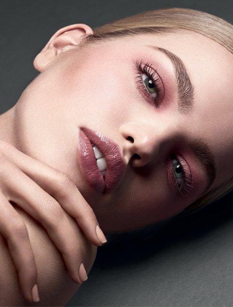 Tom Ford выпустила коллекцию моделирующих косметических средств
