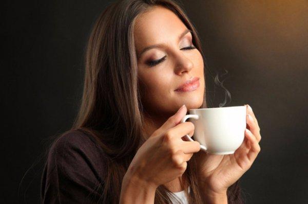 Ученые: Количество выпитого кофе в день влияет на размер груди