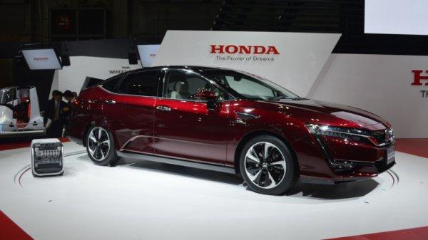 Honda презентовала новый водородомобиль Clarity