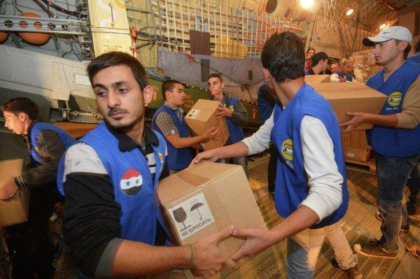 Жители Сирии получили свыше 2,5 тонн гумпомощи от России за сутки