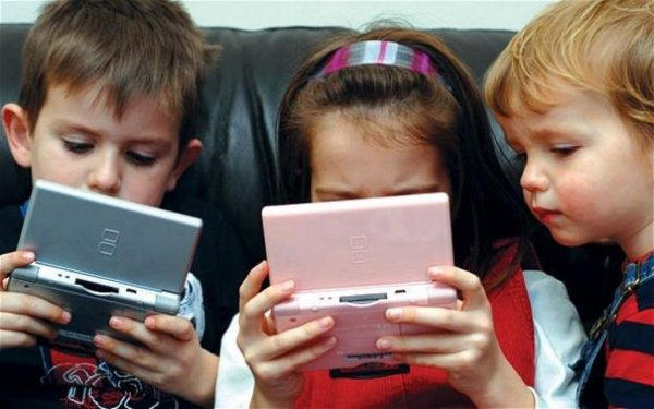 Ученые: Гаджеты детям больше вредят, нежели помогают