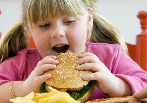 Ученые: Дети из неблагополучных районов более склонны к ожирению