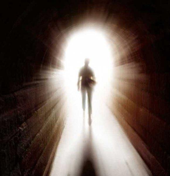 Психологи обнаружили связь между боязнью умереть и религиозным пылом