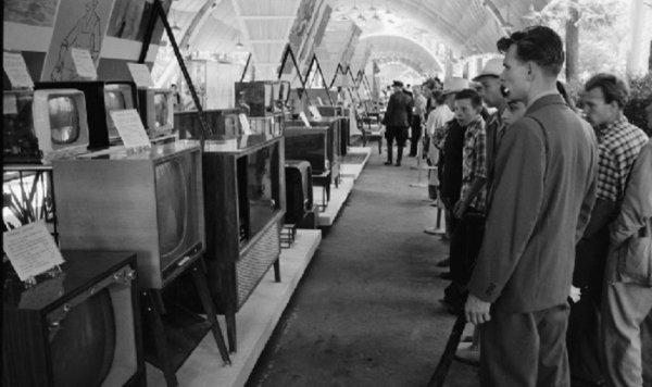 Открылась выставка советской бытовой техники в Челябинске