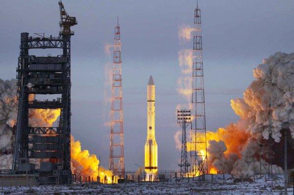 «Роскосмос» отбирает кандидатов для полета на Луну