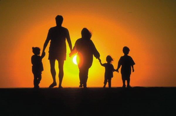 Возвращение отца в семью положительно отражается на детях - ученые