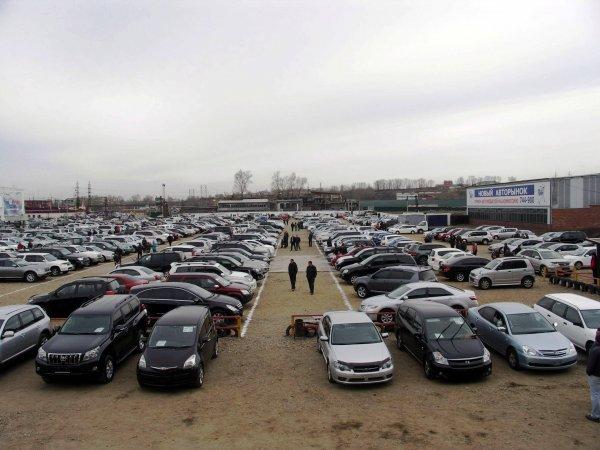 Рынок легковых машин в Москве снизился на 20%