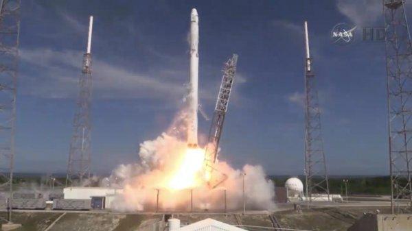 Повторное использование ступени носителя по технологии SpaceX стало революционным прорывом в освоении Космоса