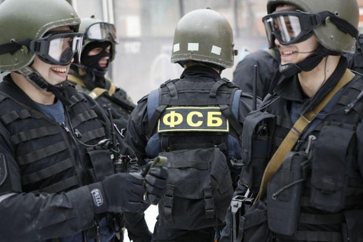 ВТвери ФСБ разоблачила криминальную группу, легализовавшую полторы тысячи мигрантов