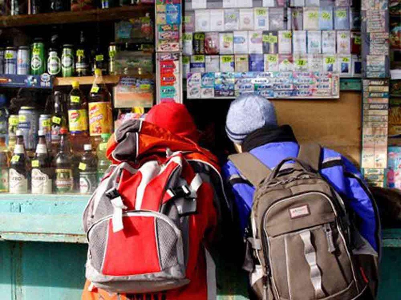 Тихвинская продавщица «заработала» уголовное дело напиве для подростка