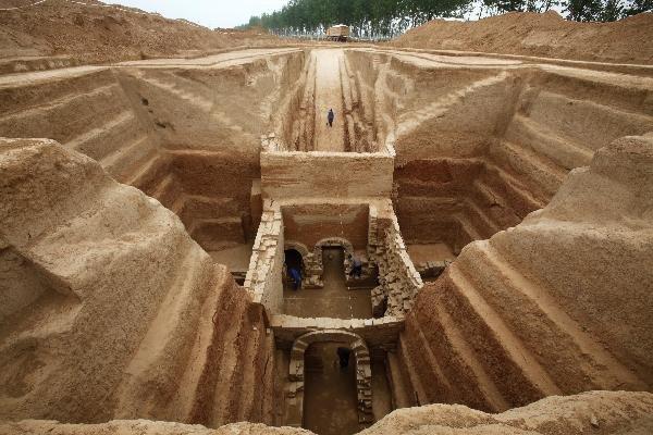 Вдревней гробнице в«Поднебесной»  найдены маленькие  ткацкие станки