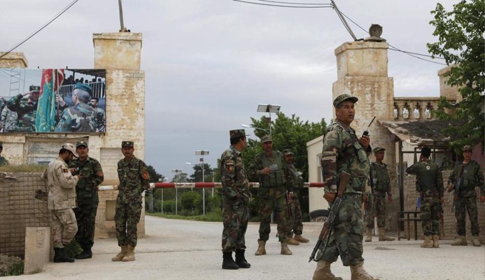 ВАфганистане талибы расстреляли 140 военнослужащих навыходе измечети