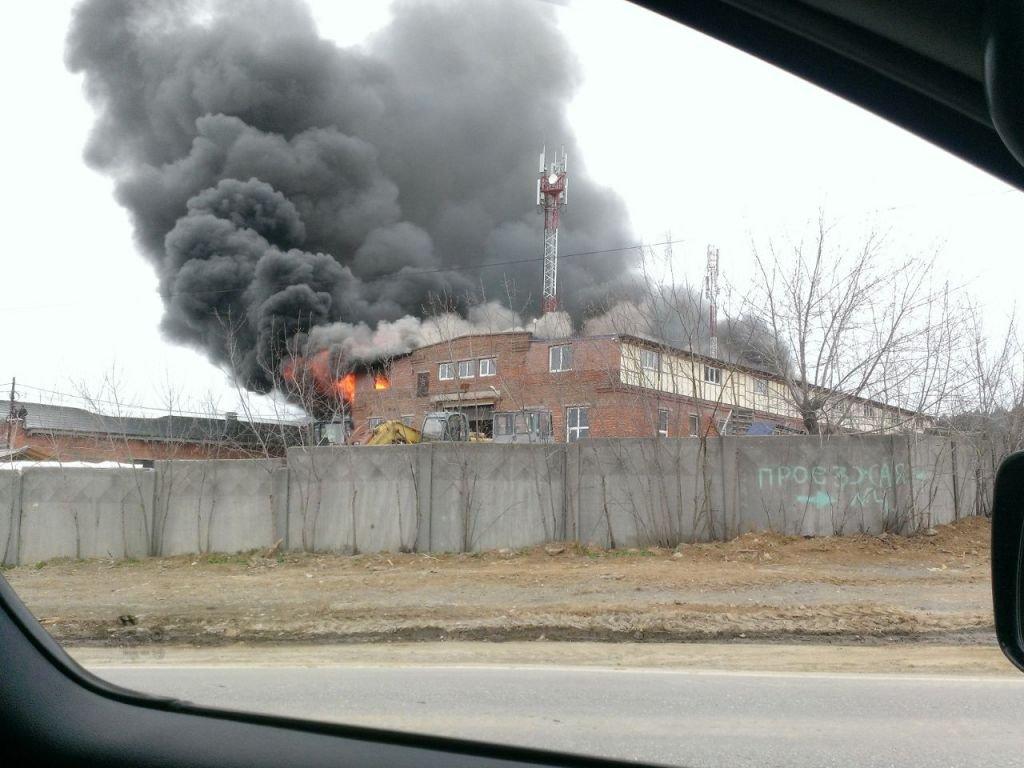 Трое свердловчан погибли впожаре напилораме