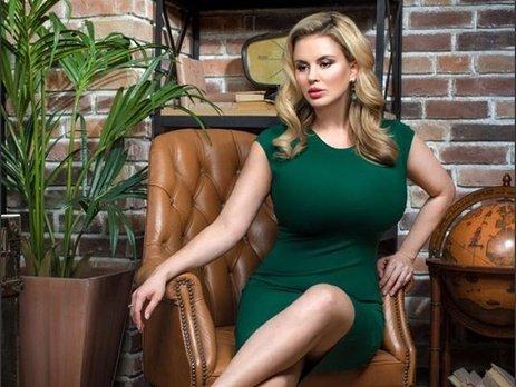 Анна Семенович намерена судится с зарубежным порносайтом, использовавшим незаконно ее фотографии