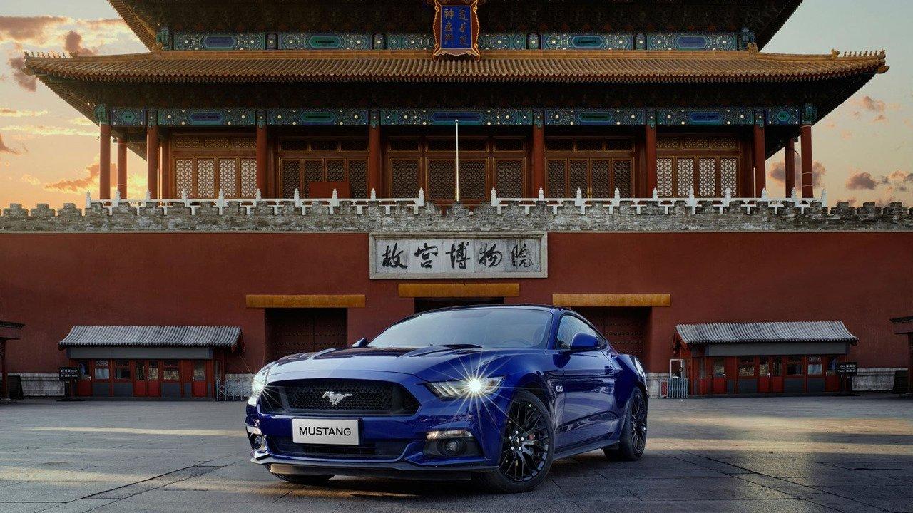 Вследующем году Форд Mustang стал самым продаваемым спорткаром