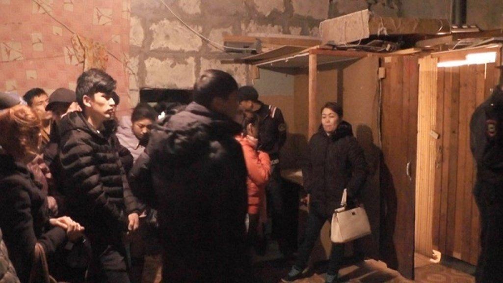 60 нелегалов обнаружили врасселенном доме наулице Восстания