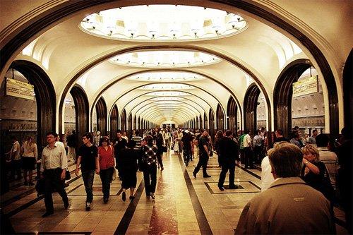 В столицеРФ поезда навсех линиях метро «заговорили» по-английски