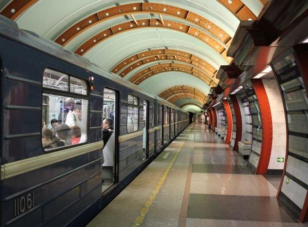 С1 на2мая петербургское метро будет работать всю ночь