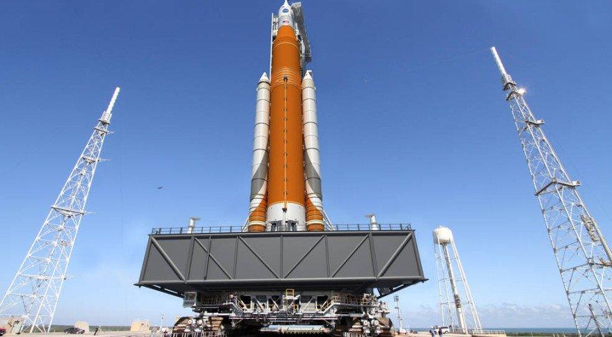 NASA переносит запуск сверхтяжелой ракеты на 2019 год