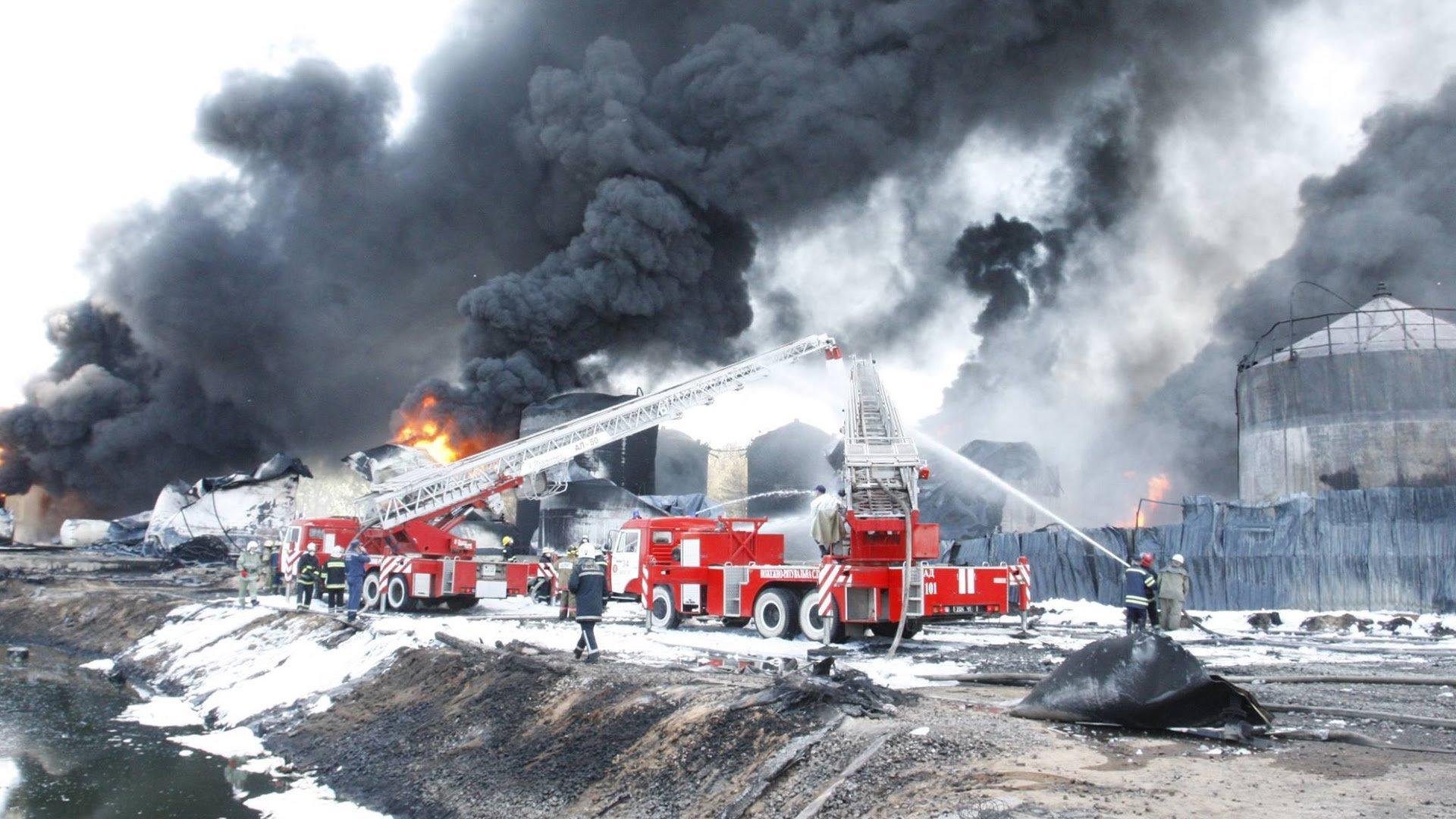 ВКемерово ночью вжилом доме произошел пожар