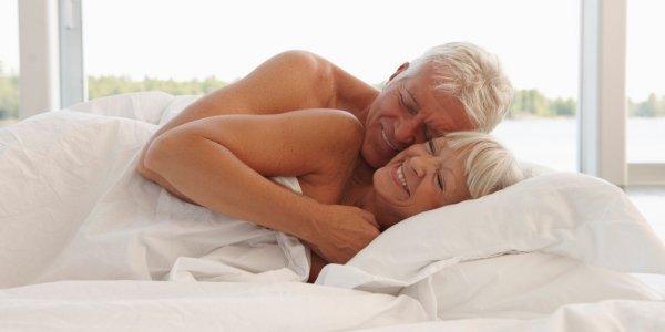Опрос: Мужчины в пожилом возрасте практикуют опасный секс