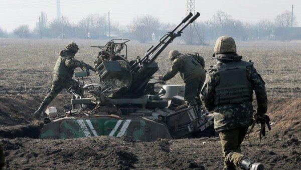 СМИ: Украинские военные 55 раз за сутки обстреляли территорию ДНР