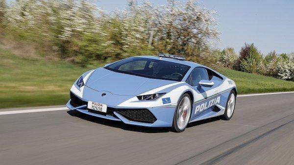 Lamborghini превратила купе Huracan в патрульную машину