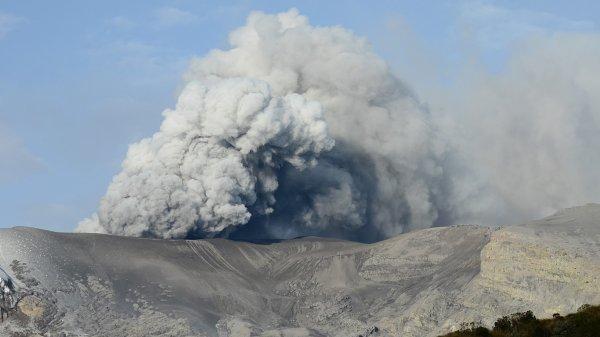 Российские ученые научились «слушать дыхание» опасного вулкана в Колумбии