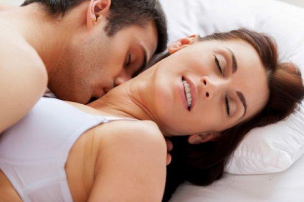 """Психологи назвали 10 лживых фраз, которыми мужчины """"уламывают"""" девушек на секс"""