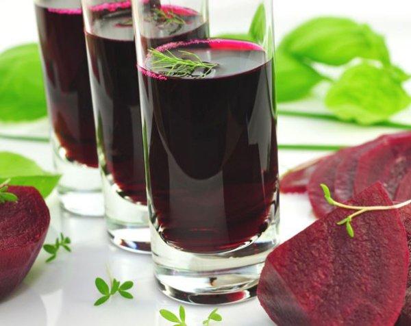 Ученые: Свекольный сок поможет омолодить клетки мозга и избавить от гипертонии