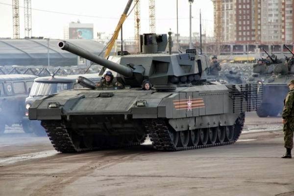 В интернет попали уникальные фото танка «Армата»