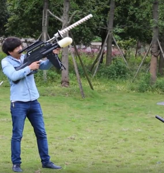 На видео попали испытания электронного ружья для перехвата дронов