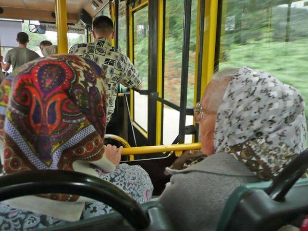В Москве на Радоницу пустят несколько дополнительных автобусов