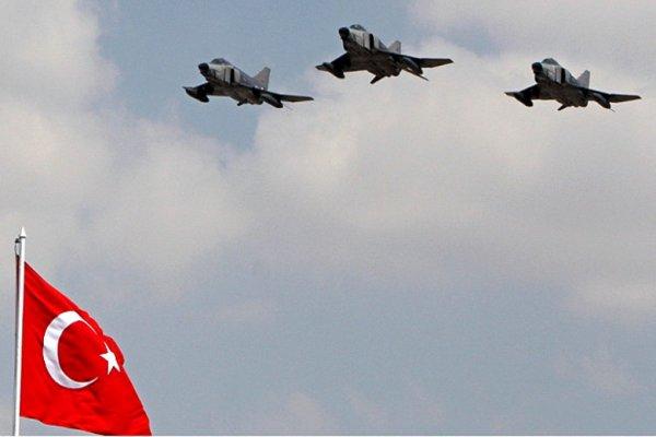 Турция подтвердила атаку по базам курдов в Сирии и Ираке