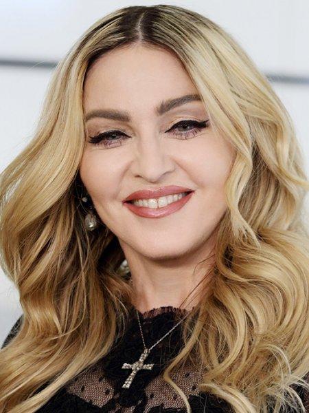 Мадонна обвинила создателей фильма о себе в шарлатанстве