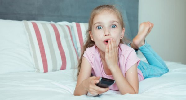 Психологи рассказали, что делать родителям, застав ребенка за порно