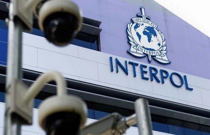 ВИнтерполе официально отказались разыскивать Яценюка