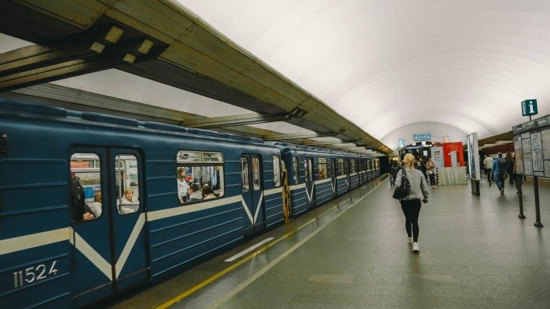 Режим работы петербургского метрополитена поменяется 9мая
