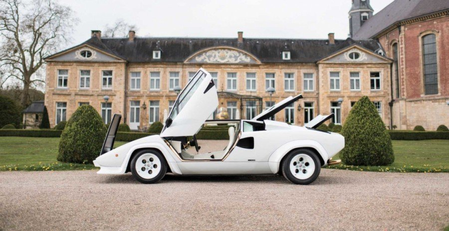 Lamborghini Countach сзолотой отделкой оценили в575 000евро
