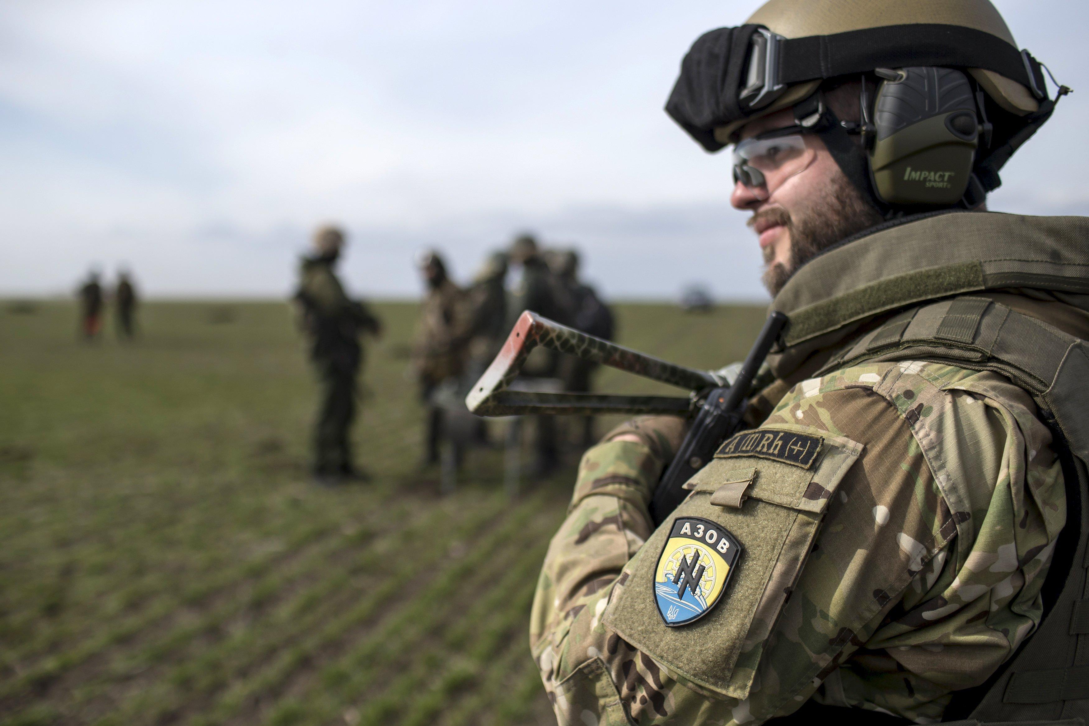 Басурин: 5 боевиков убиты впроцессе стычки нацбатальона «Азов» снаемниками